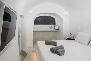 Olea Cave House II Villa bedroom