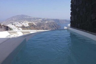 Olea Cave House II Villa jacuzzi with sea view